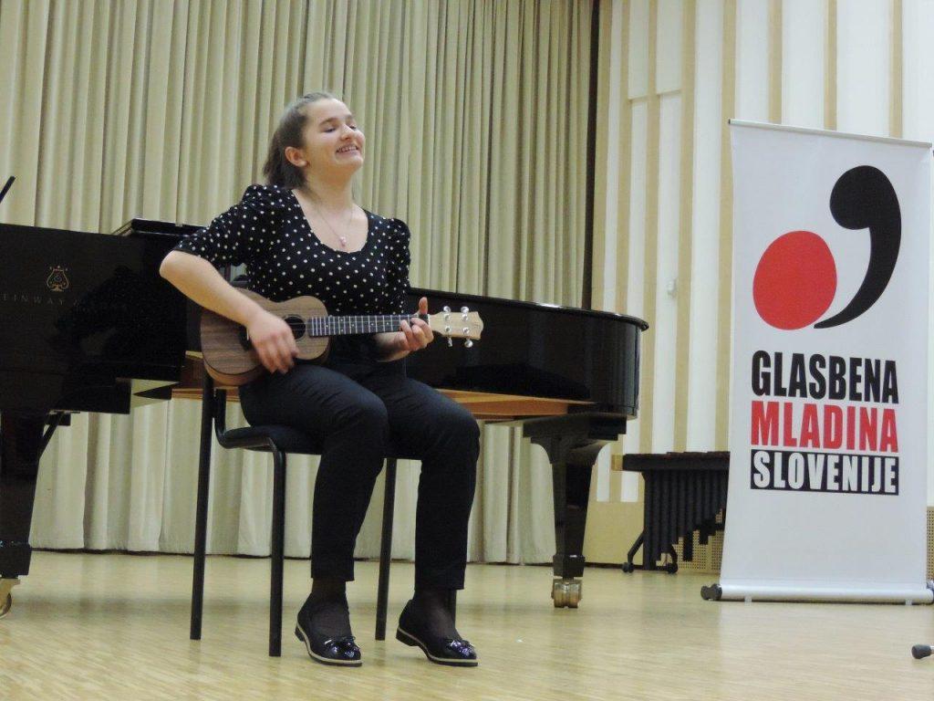 Katja Petan (OŠ Vavta vas, mentorica Alenka Gazvoda)